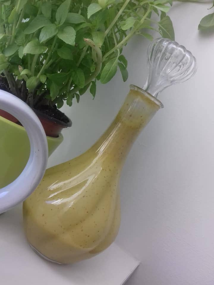 2 sauces qui subliment vos salades, sauce, salade, vinaigrette, végétarisme, végétarienne, basilic, gingembre