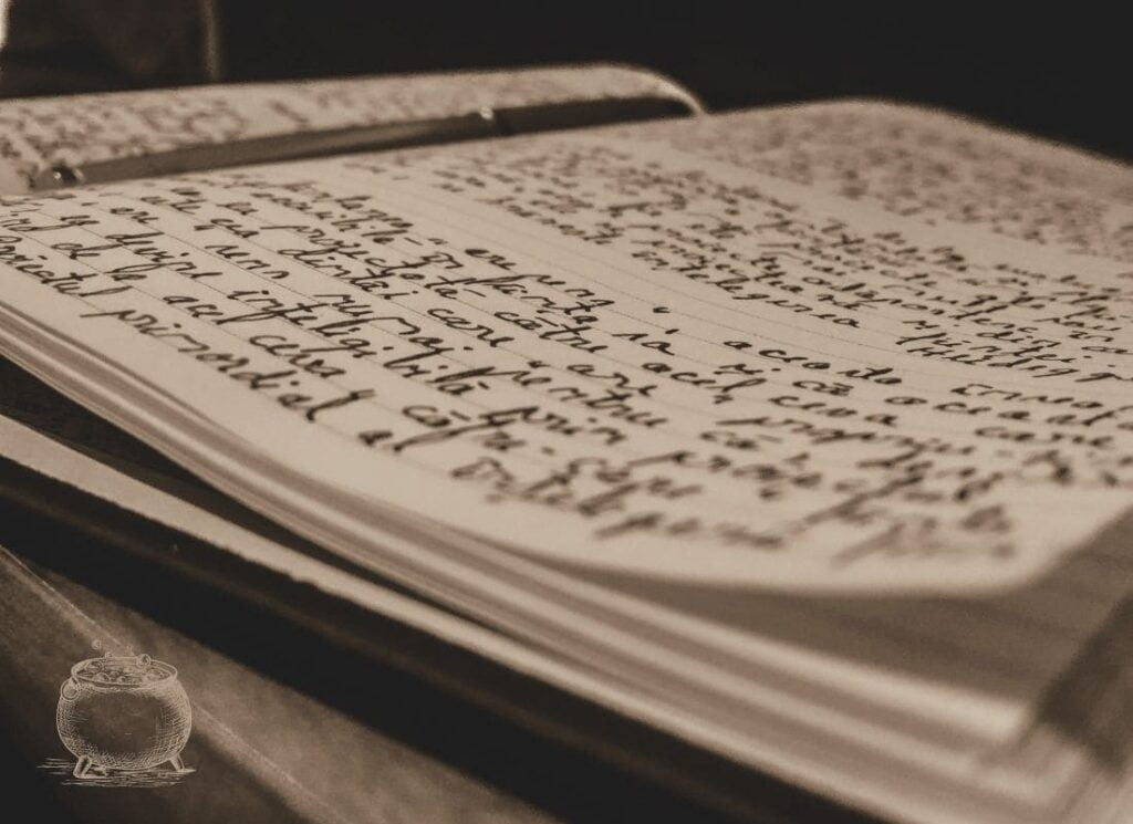 écrire, grimoire, écriture intuitive, journal personnel, vivre ma vraie nature