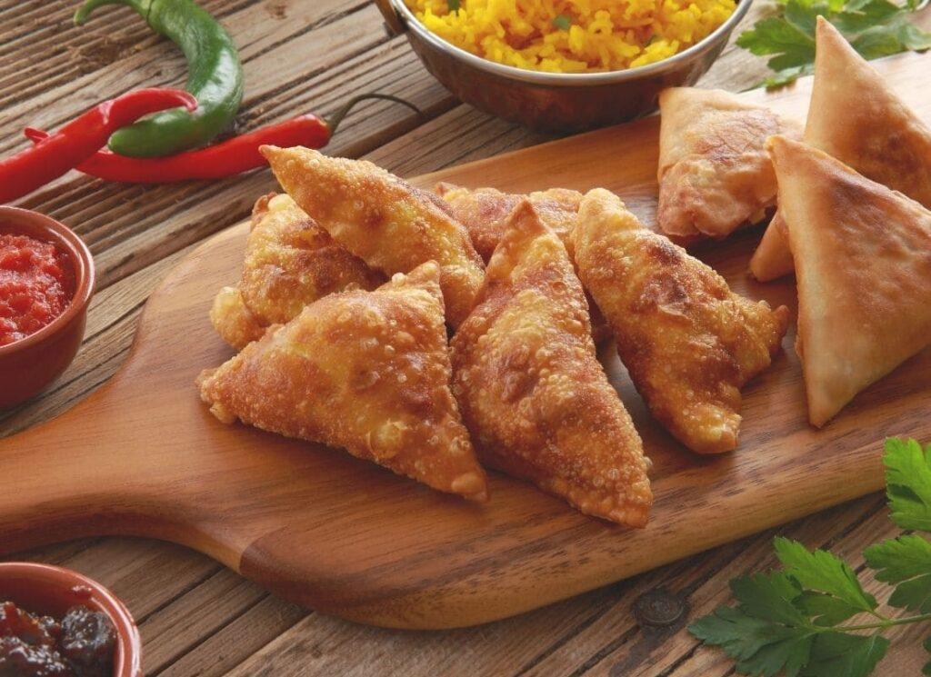 samosas, dressage assiette, lamier pourpre, samosas au lamier poupre, transition alimentaire, alimentation végétarienne, cuisine sauvage, vivre ma vraie nature